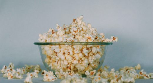 Salted popcorn for Low calorie snacks when feeling stressed