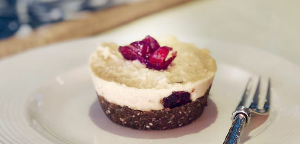 Vegan raw cashew cheesecake