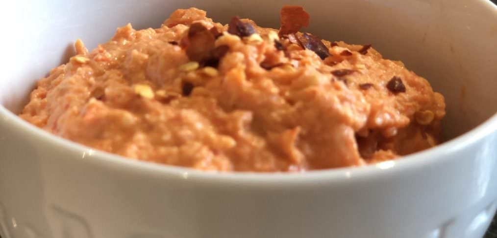 Healthy Roasted Red Pepper Hummus