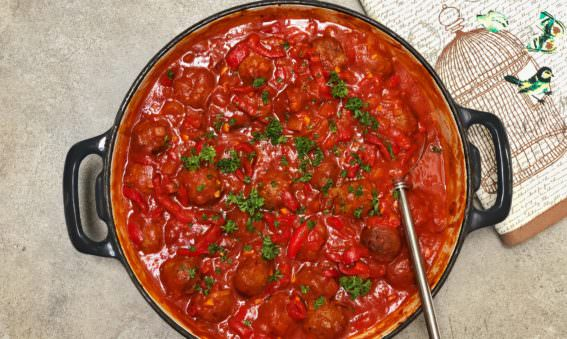 Healthy meatballs in a rich tomato sauce