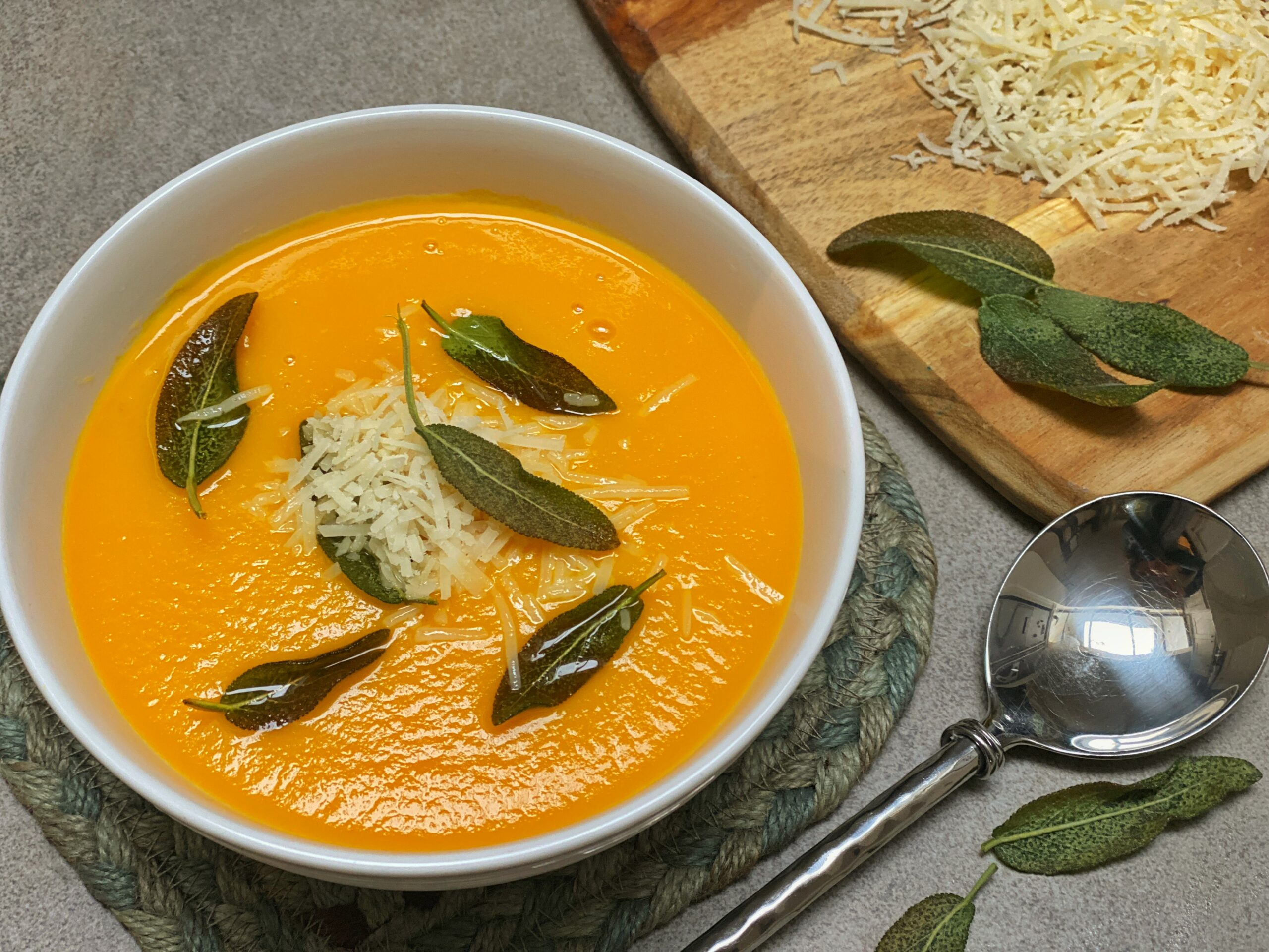 Healthy Eating Habits: Silky smooth pumpkin soup with crispy sage leaves
