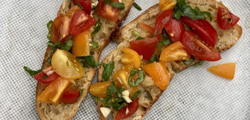 Antioxidant-rich Tomato Bruschetta